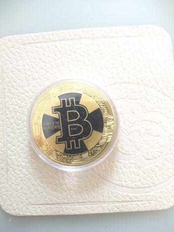 Биткоин монета сувенир.
