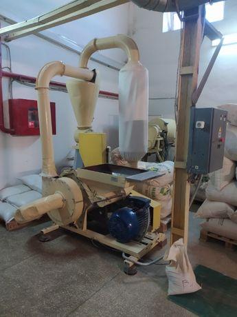 Продам дробилку бичевую промышленную 22 кВт для зерна/комбикорма