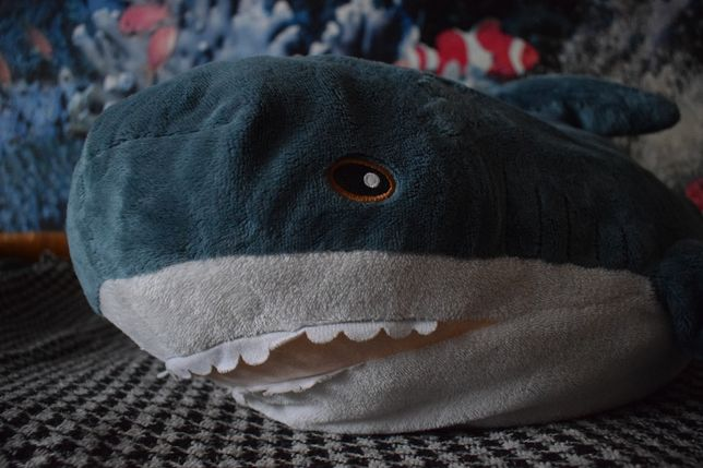Плюшевая акула игрушка-подушка