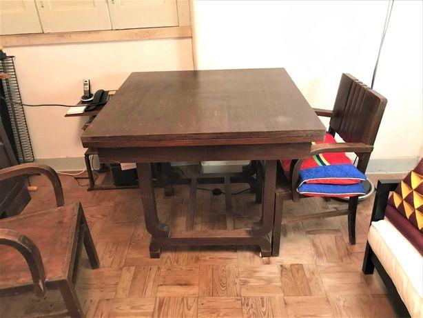Mesa de sala de Jantar antiga e cadeirões