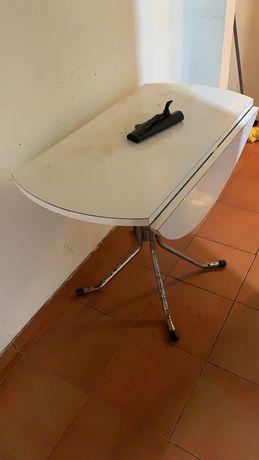 Mesa de cozinha em otimo estado