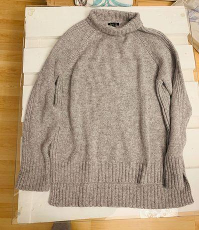 Szary sweterek Massimo Dutti