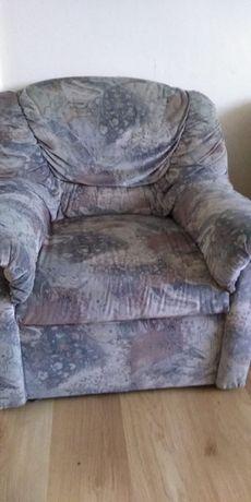 Sprzedam fotel używany.