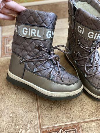 Ботинки,сапожки,чобітки,чоботи