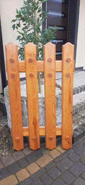 Drewniany wieszak ścienny na ubrania - stan idealny