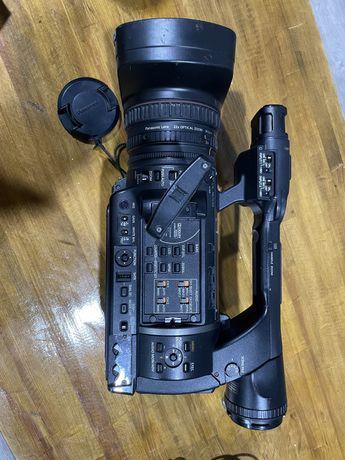 Продам проф. видеокамеру Panasonic AG-AC130EN