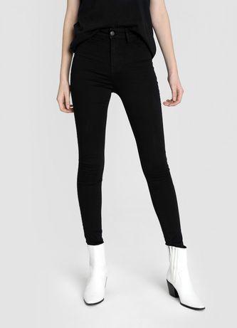 Чёрные узкие джинсы Ostin с высокой посадкой 40 42 XS S