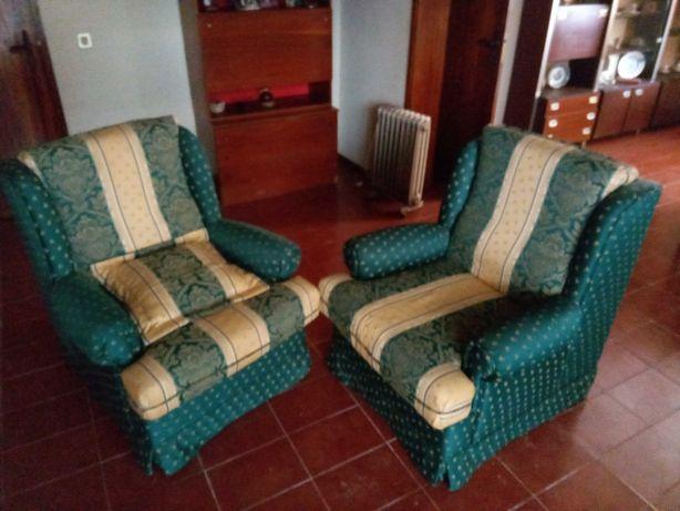 Vendo 2 sofás muito bom estado