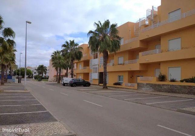 TAVIRA - T3 com 107m2 e terraço