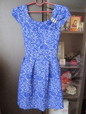 плаття по 200 грн,розмір L