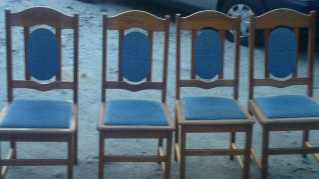 Sprzedam 4 krzesła drewniane stan dobry