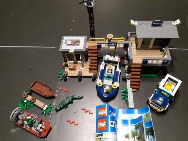 Klocki Lego City 60069 Posterunek policji z bagien
