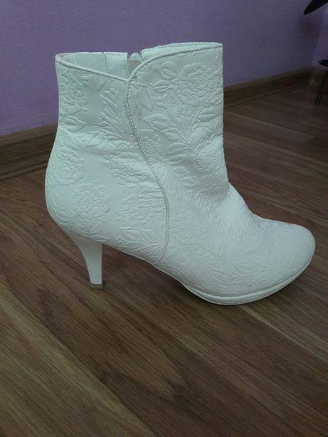 Весільні черевички
