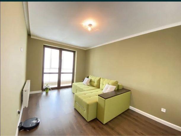 Продам двохкімнатну квартиру на Щасливому