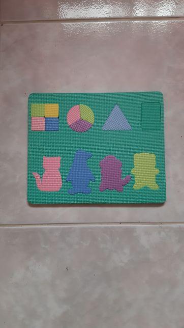 Tapete Puzzle- Formas Geométricas e Números