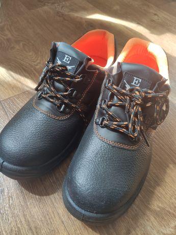 Ботинки, босоножки рабочие