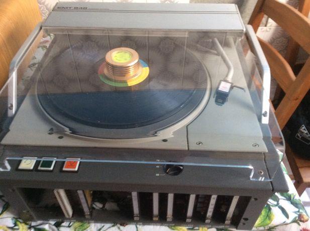 Gira discos EMT 948