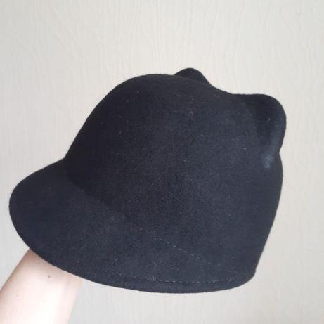 Оригинальная черная шапка-кепка с ушками