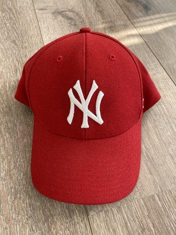 NEW ERA - czerwona czapka z daszkiem