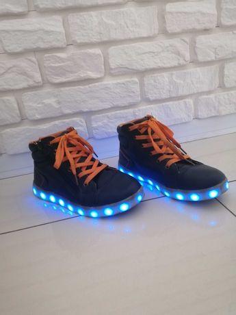 buty sneakers świecące LED granat-pomarańczowe rozm.34