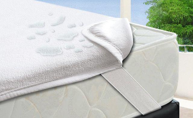 Наматрасник в кроватку новый аква стоп, матрас на резинке непромокаемы