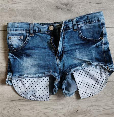 Джинсовые шорты на подростка 13-14 лет.
