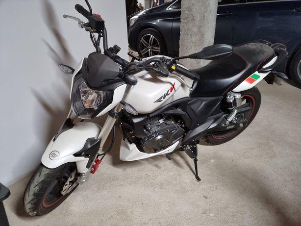 Moto Keeway RKV 125