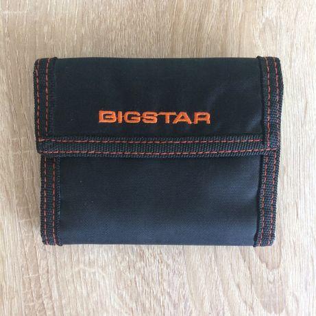 Portfel BigStar z karabinczykiem