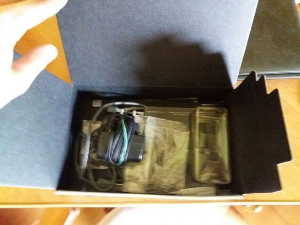 Sony Ericsson k800i opakowanie, ładowarka, etui, kabel, istrukcje