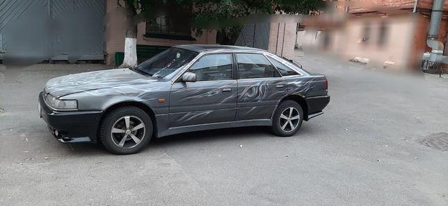 Автомобиль Mazda