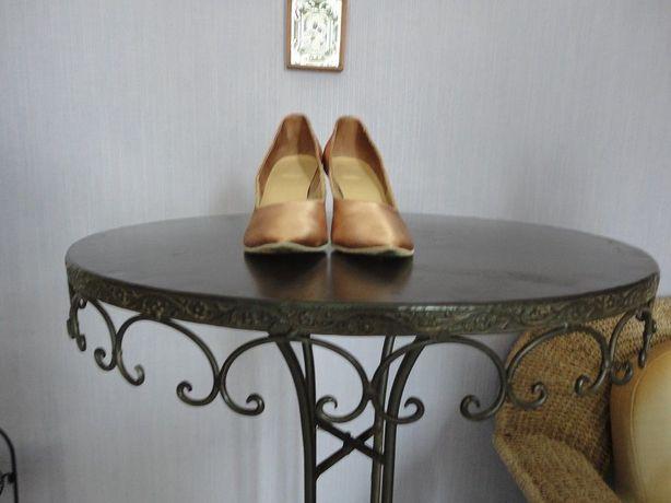 Бальная девичья обувь