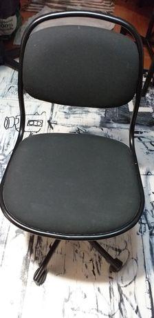 Cadeira de escritório Ikea com rodas