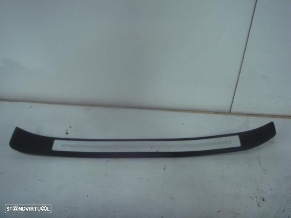 Moldura Entrada Porta Fr. Dta Audi A4 (8Ec, B7)
