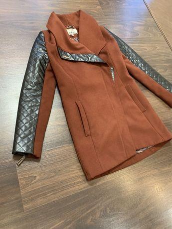 Женское пальто деми S
