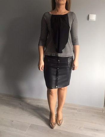 Bluzeczka pepitko czarna falbanka żabot oversize czarna rozmiar s m