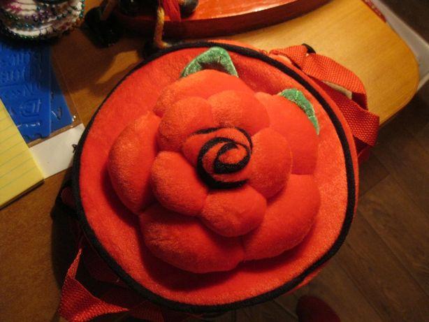 детская мягкая плюш игрушка -сумка красная с цветком новая на молнии