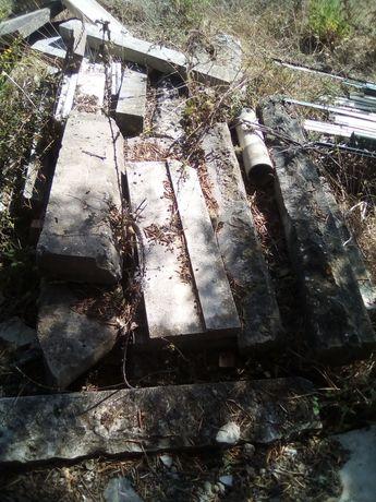 Pedras antigas ( limpeza do terreno )