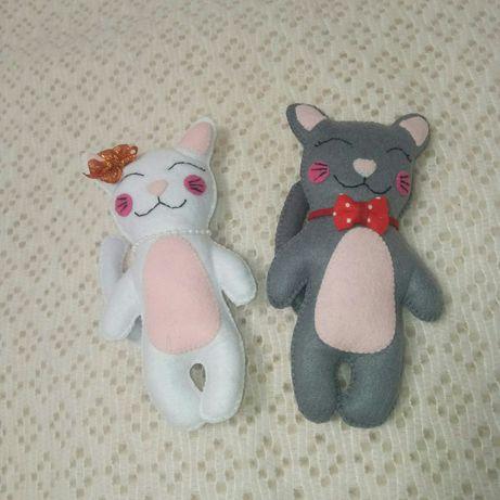 Котики из фетра влюбленная парочка