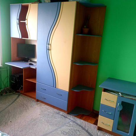 Детскую мебель стенку ассоль в спальню с кроватью