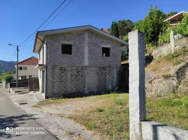 Casa em Construção + Terreno