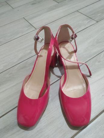 Туфлі Bershka 41