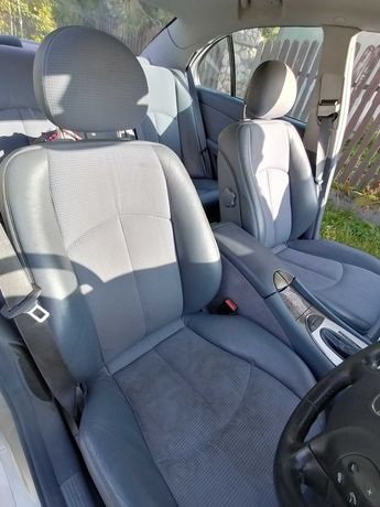 Fotele skórzane, polskora Mercedes w211, grzane, elektryczne, sedan