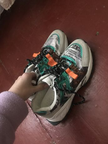 Кроссовки / кросівки / обувь