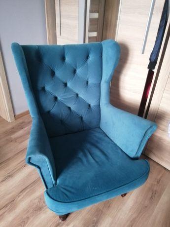 Fotel uszak z podnóżkiem