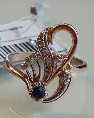 Золотое кольцо с бриллиантами и сапфиром. Украина.