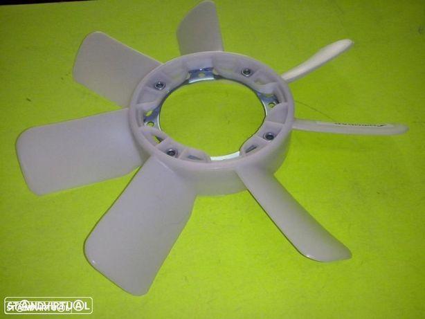 Pá de ventoinha Toyota Hilux Hiace 2.4d (nova)