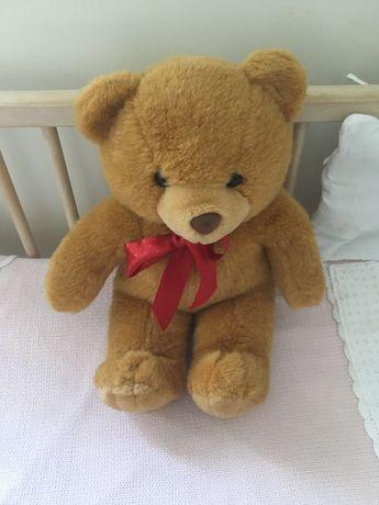 Urso peluche para cama