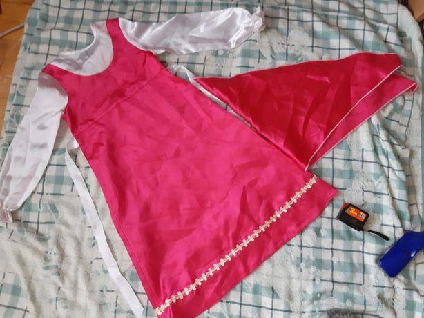 Карнавальные костюм/ для утренника для девочки на 3-4года