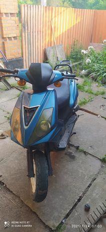 Продаю скутер на ходу