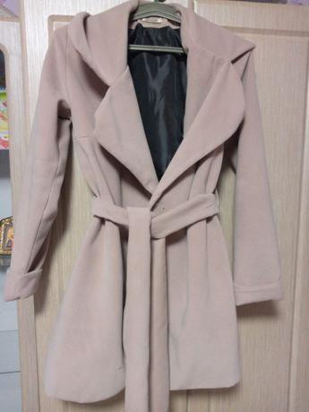 Пальто осіннє, 44-46 розмір